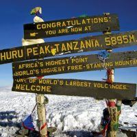 tanzania_mt_kilimanjaro_summit_sign_22